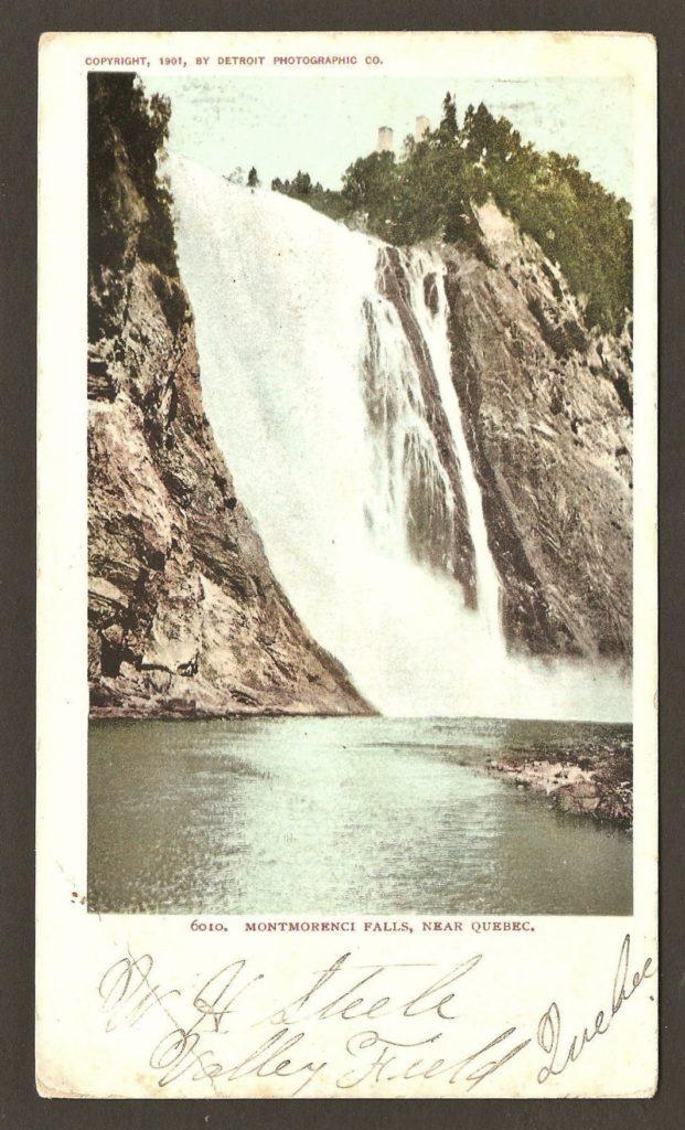 Chute Montmorency : carte postale produite par la Detroit Photographic Co. La légende est en anglais : Montmorenci Falls, near Quebec.