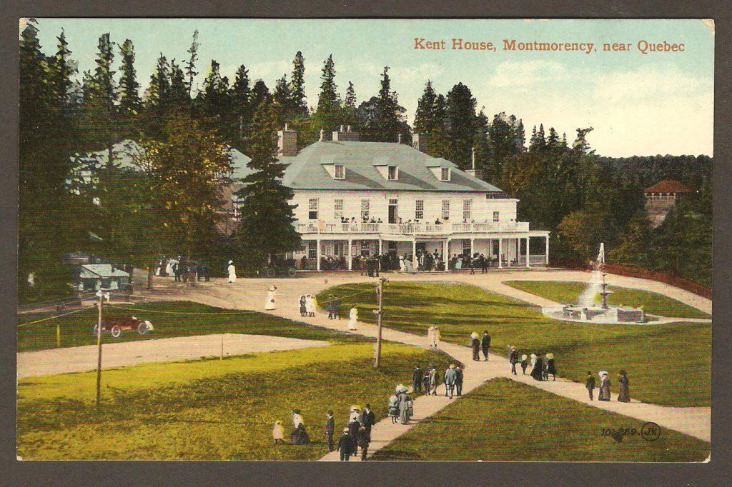 Une autre carte postale de Valentine & Sons, vers 1915, où la photo a été prise dans la direction opposée à celle de la carte précédente. Cette fois-ci, on voit les allées et la fontaine d'un angle différent, ainsi que l''hôtel Kent House.