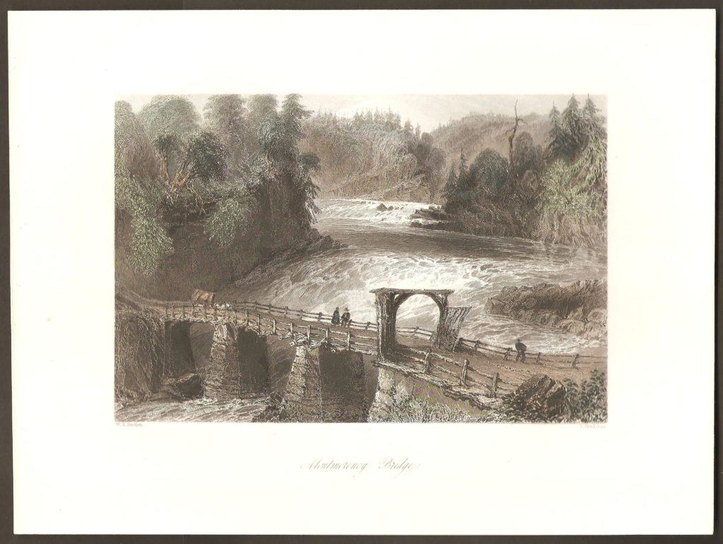 Une gravure en couleurs de W. H. Bartlett, réalisée en 1842. Elle représente le premier pont sur la rivière Montmorency. En effet, auparavant on traversait en barque, ou à gué, quelques kilomètres plus haut.