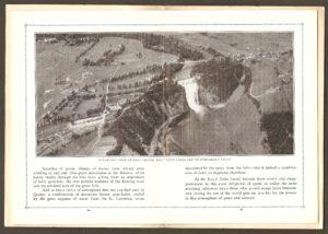Photographie aérienne du site de la chute Montmorency. En plus de l'hôtel Kent House, on peut y voir quelques allées du golf Kent. Cette photo provient d'une brochure publicitaire publiée, en 1929, par l'hôtel Kent House.