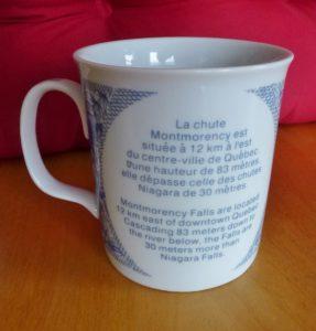 Chute Montmorency : tasse souvenir disponible à la boutique de souvenirs du Manoir Montmorency en 2015.