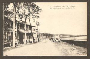 La rue Saint-Grégoire en bordure du fleuve Saint-Laurent dans un album de cartes postales présentant diverses scènes du village de Montmorency, publié en 1929 pa E. Alexandre Masselotte.