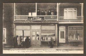 Succursale de la compagnie P.T. Légaré dans un album de cartes postales présentant diverses scènes du village de Montmorency, publié en 1929 pa E. Alexandre Masselotte.