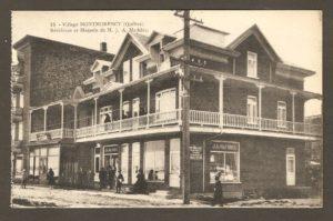 Résidence et magasin de M. J.A. Mathieu dans un album de cartes postales présentant diverses scènes du village de Montmorency, publié en 1929 pa E. Alexandre Masselotte.