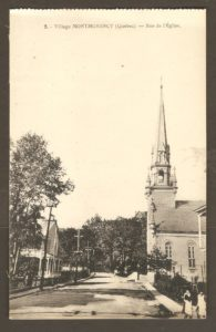 Rue de l'Église dans un album de cartes postales présentant diverses scènes du village de Montmorency, publié en 1929 pa E. Alexandre Masselotte.