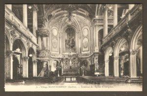 Intérieur de l'église Saint-Grégoire dans un album de cartes postales présentant diverses scènes du village de Montmorency, publié en 1929 pa E. Alexandre Masselotte.