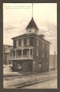 Résidence et magasin de M. Oscar Côté dans un album de cartes postales présentant diverses scènes du village de Montmorency, publié en 1929 pa E. Alexandre Masselotte.