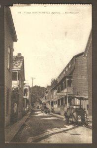 La rue Montcalm dans un album de cartes postales présentant diverses scènes du village de Montmorency, publié en 1929 pa E. Alexandre Masselotte.