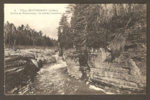 Les marches naturelles de la rivière Montmorency dans un album de cartes postales présentant diverses scènes du village de Montmorency, publié en 1929 pa E. Alexandre Masselotte.