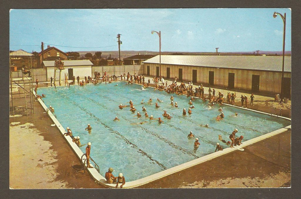 Carte postale - Piscine de Courville vers 1965