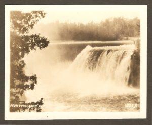 Chute Montmorency PQ. Le barrage vu d'un autre angle.