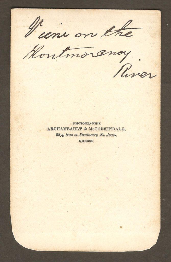 L'endos de la CDV nous apprend qu'elle a été produite par Archambault & MaCorkindale, 62½ rue et faubourg Saint-Jean, à Québec. De plus, on y trouve une inscription manuscrite : « View on the Montmorency River ».