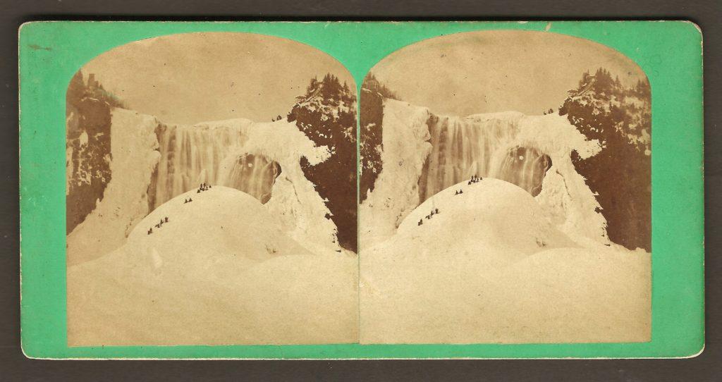 La chute Montmorency en hiver et son « pain de sucre », vers 1870, sur un stéréogramme de Notman.