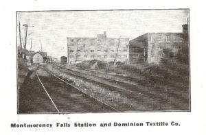 Une autre photo à la page 18. On y voit la gare de la chute Montmorency et des bâtiments de la Dominion Textile.