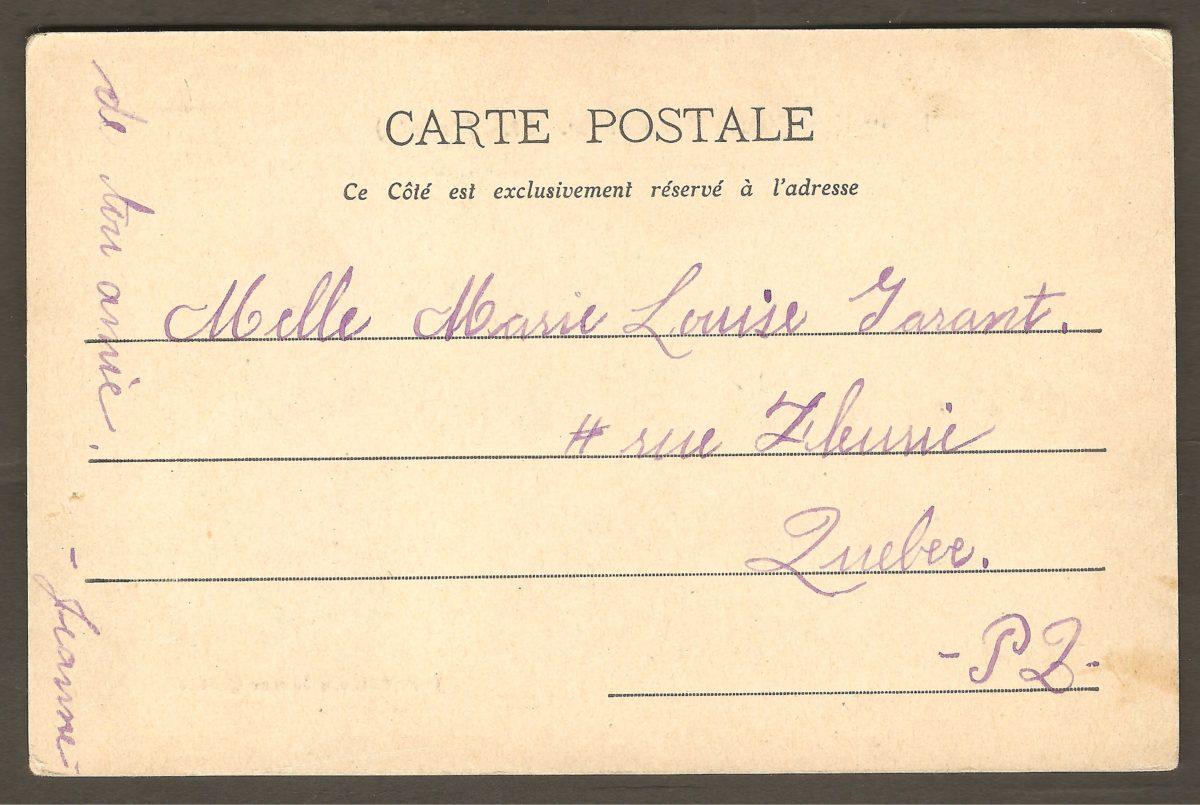Carte postale de J. P. Garneau montrant la glissoire devant le Kent House, vers 1900.Carte postale de J. P. Garneau montrant la glissoire devant le Kent House, vers 1900. L'endos de la carte est non divisé, ce qui permet de la dater vers 1900-1905.