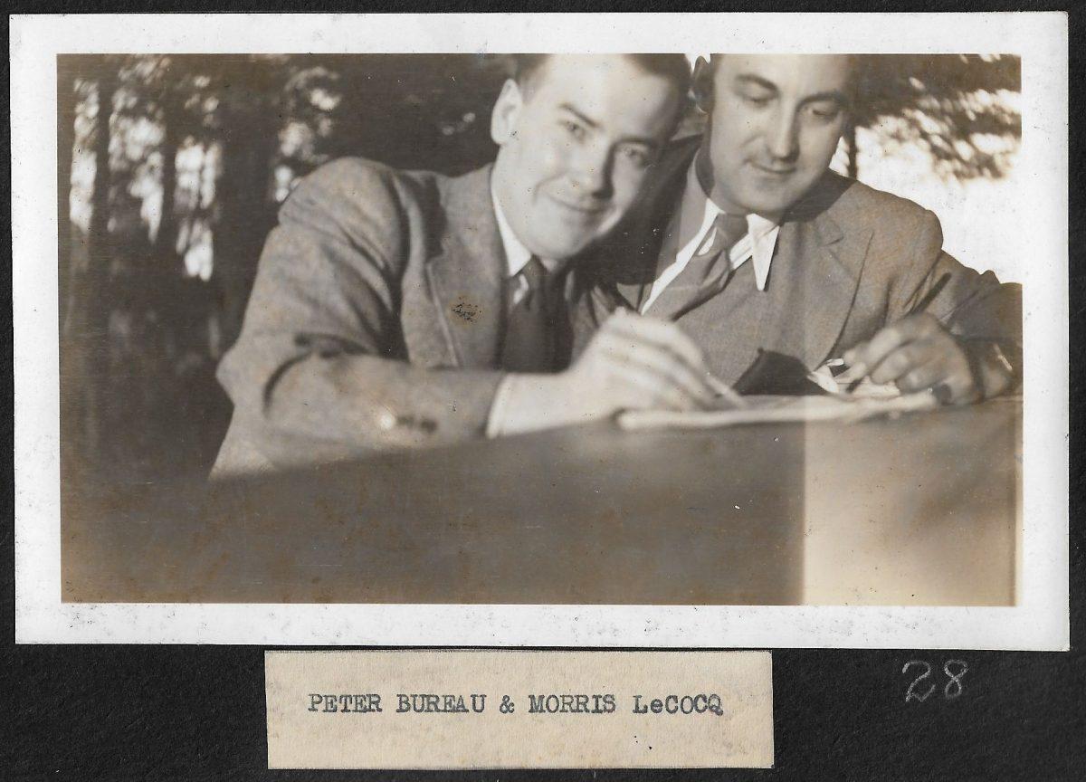 M. Peter Bureau, membre du personnel de l'hôtel Kent House.  Messrs. Peter Bureau member of the staff of Kent House Hotel.